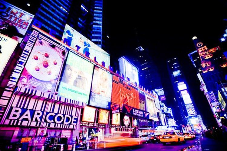 La publicidad de exterior es uno de los muchos medios usados en publicidad.