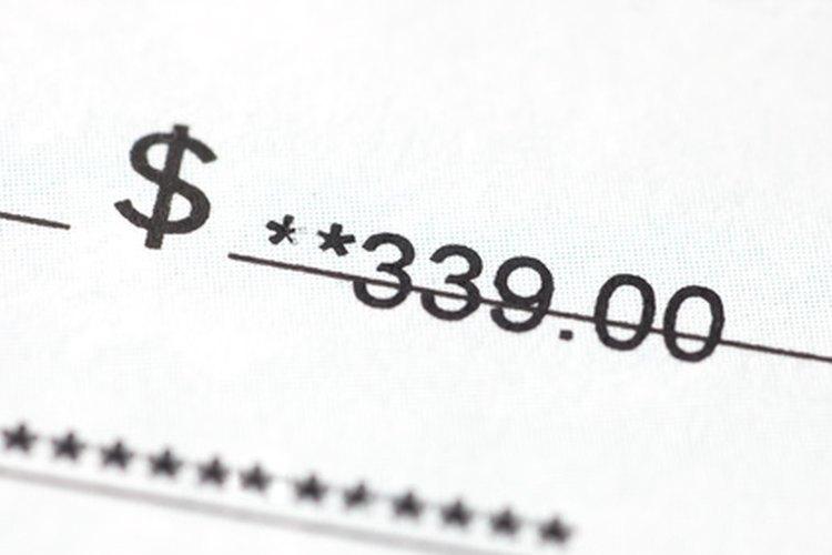 Girar un cheque sin fondos conlleva una serie de sanciones severas.