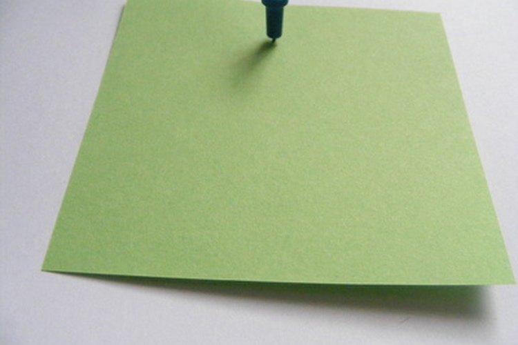 El uso de papel reciclado es una forma sencilla de demostrar responsabilidad ambiental.