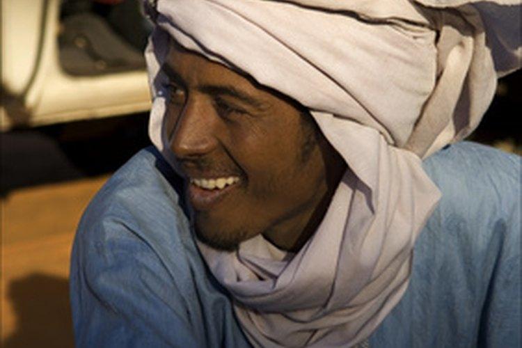Algunos hombres musulmanes usan turbantes.