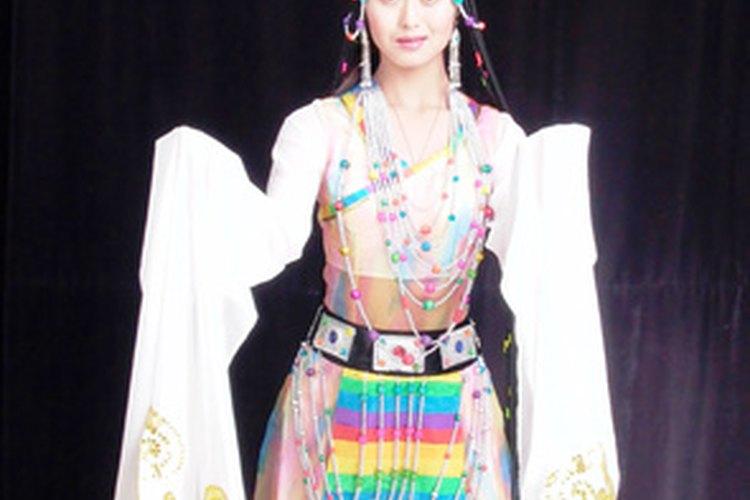 Las mangas extra largas y anchas eran un símbolo de elegancia en la antigua China.