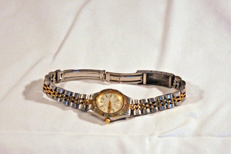 Los relojes para dama oscilan entre los que tienen precios modestos hasta los súper lujosos.
