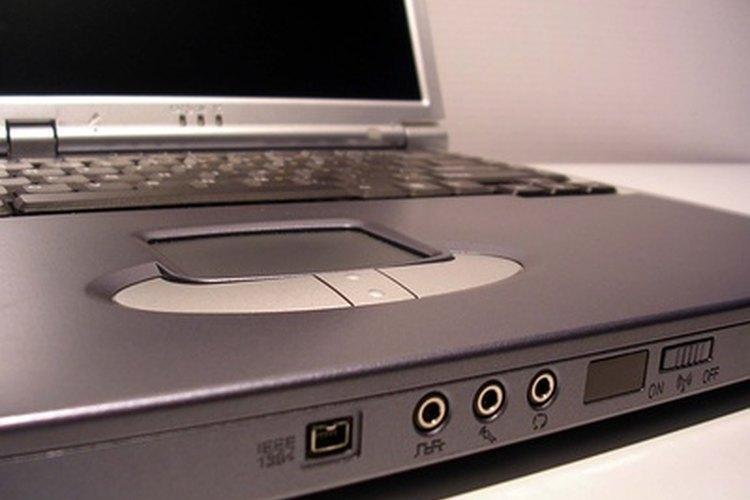 Los ingenieros informáticos y de software avanzan la tecnología informática.
