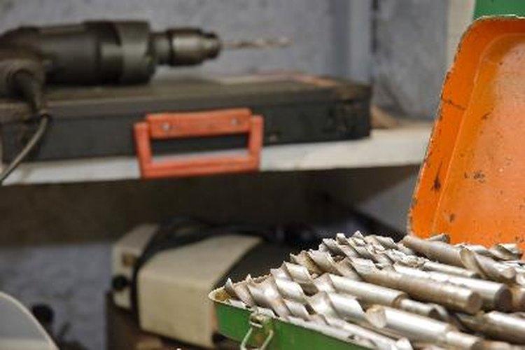 Se pueden hacer intrincados tallados decorativos y artísticos en una taladradora.