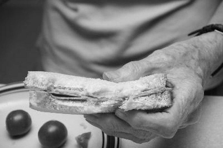 Los adultos mayores se beneficiarán de un menú semanal.