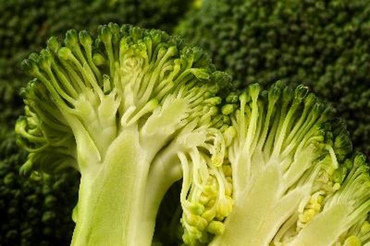 Hierve el brócoli.