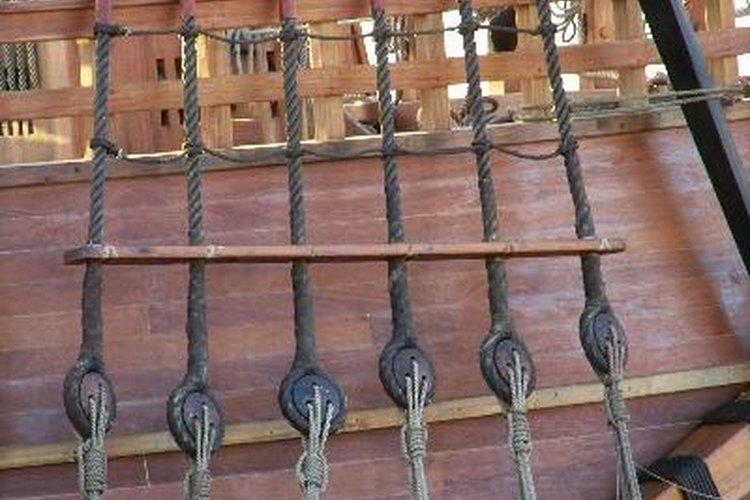 Son preferibles las líneas verticales, de modo que no se introduzca ninguna fuerza lateral, para incrementar la tensión.