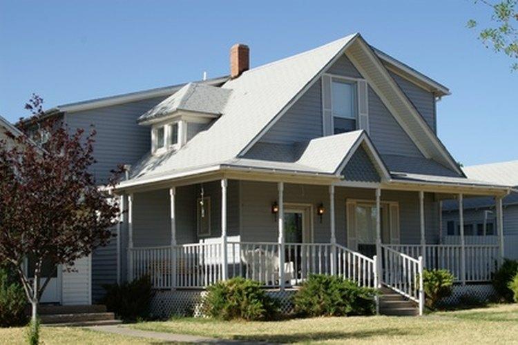 C mo adherir un nuevo techo a uno existente for Caidas de techos para casas