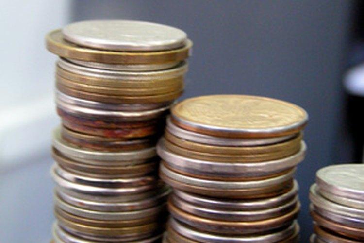 Usa monedas de 10 centavos para las decenas y peniques para las unidades.