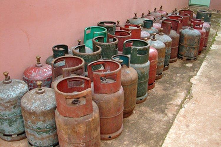 El propano en un limpiador de carburador es también un gas comprimido en latas.