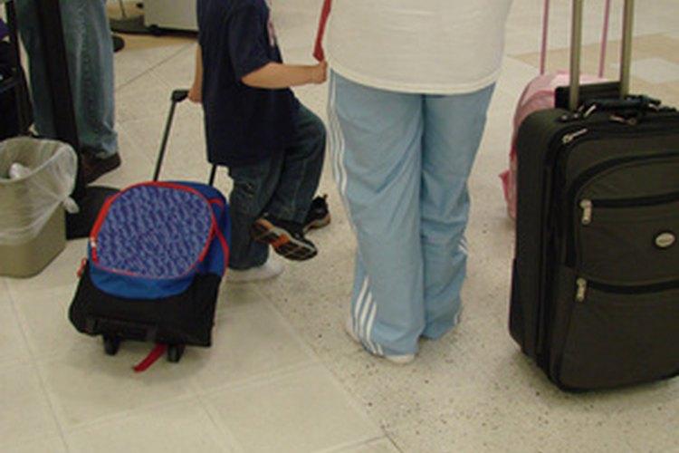 El derecho de un padre para sacar a su hijo del país varía según los acuerdos de custodia.