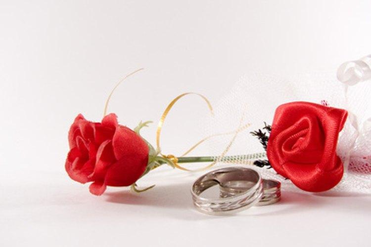 Tú y tu novia pueden celebrar su aniversario y todo el año que lo ha precedido.