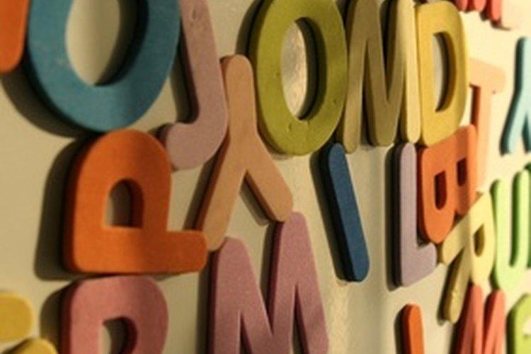 Seca las letras toda la noche antes de engraparlas en el álbum.