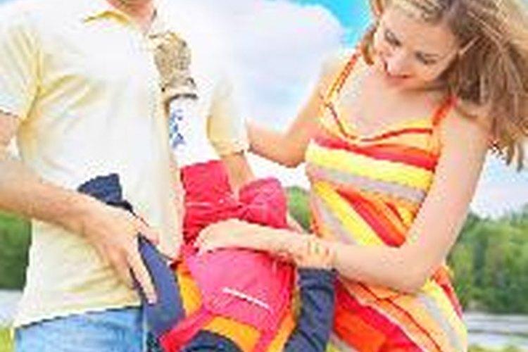 Trata a un niño con discapacidad visual al igual que tratarías a cualquier otro niño.