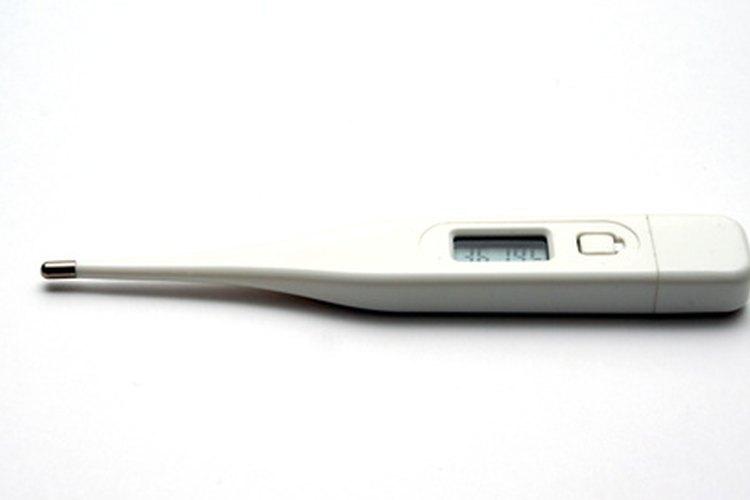 Un termómetro digital te dará una lectura más precisa.