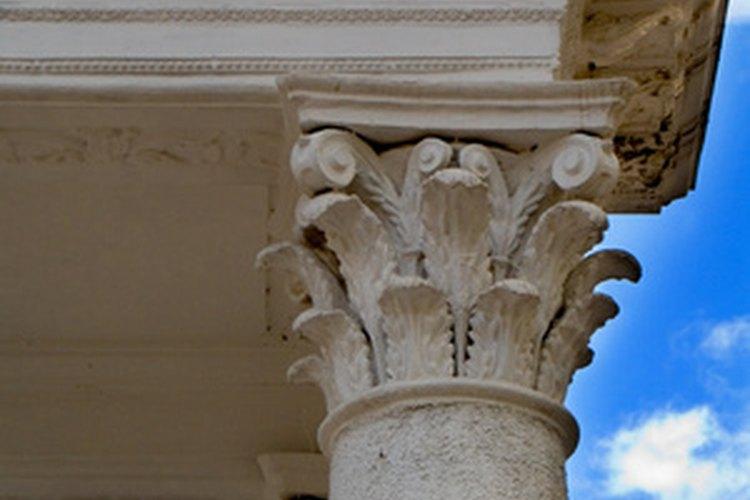 Las columnas corintias caracterizan las casas de estilo italiano.