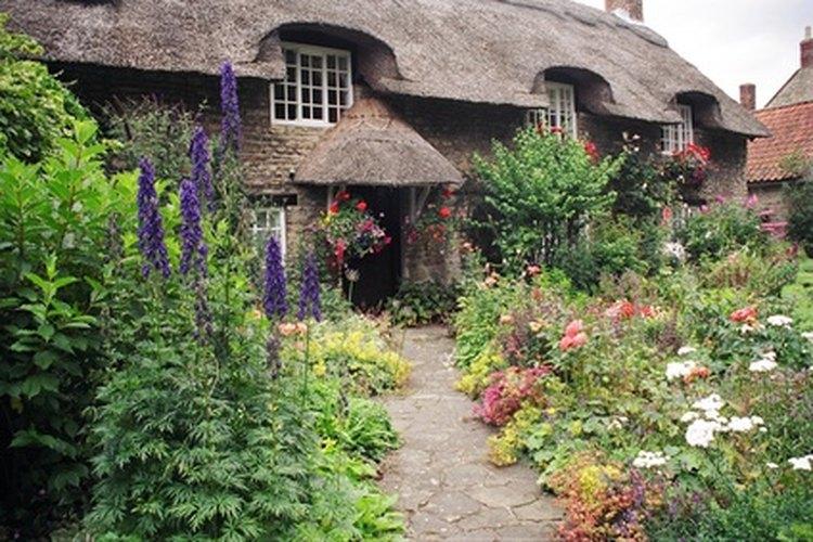 Con el tiempo, las flores se convirtieron en la parte más importante del diseño de un jardín inglés