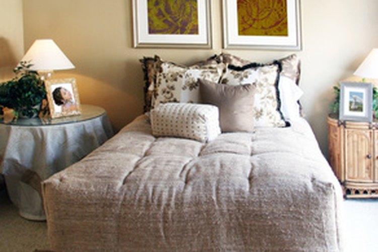 Las fundas de almohadas son cubiertas decorativas.