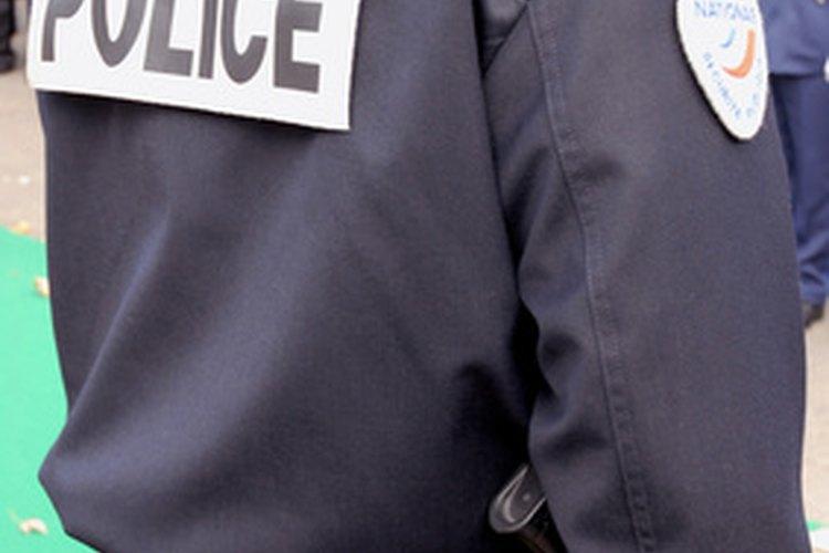 Un oficial de policía puede tener una variedad de deberes y responsabilidades.