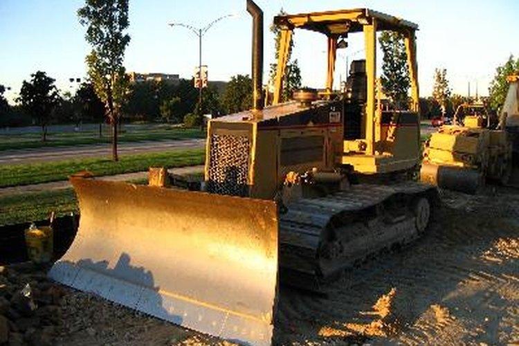 La longitud del bulldozer es 10,3 pies (3,14 mt) sin la cuchilla.