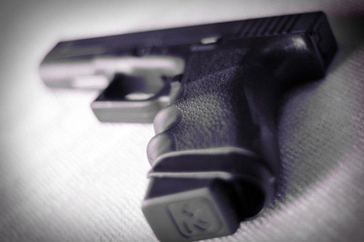 Las pistolas Glock son populares debido a su peso liviano de construcción y sus características de seguridad.