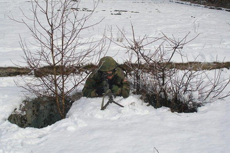 Las academias militares asociadas a las fuerzas armadas aceptan mujeres.