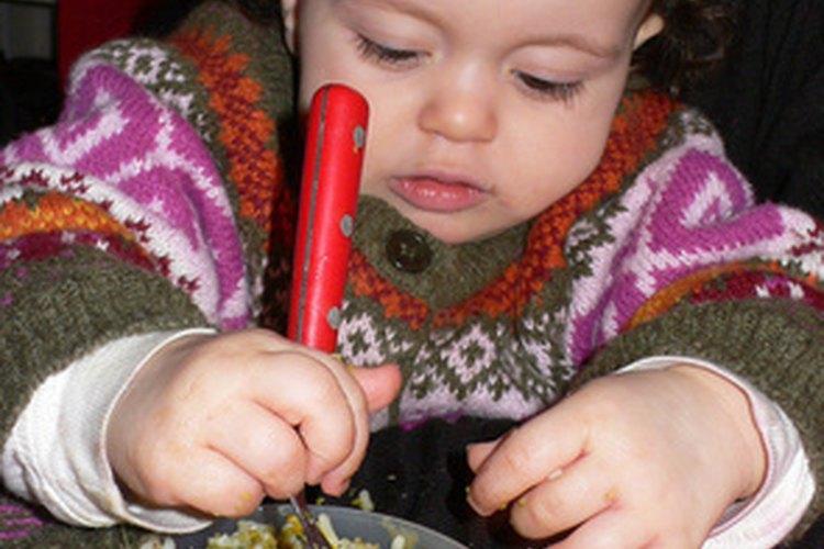 El proceso de alimentarse por cuenta propia puede resultar desordenado.