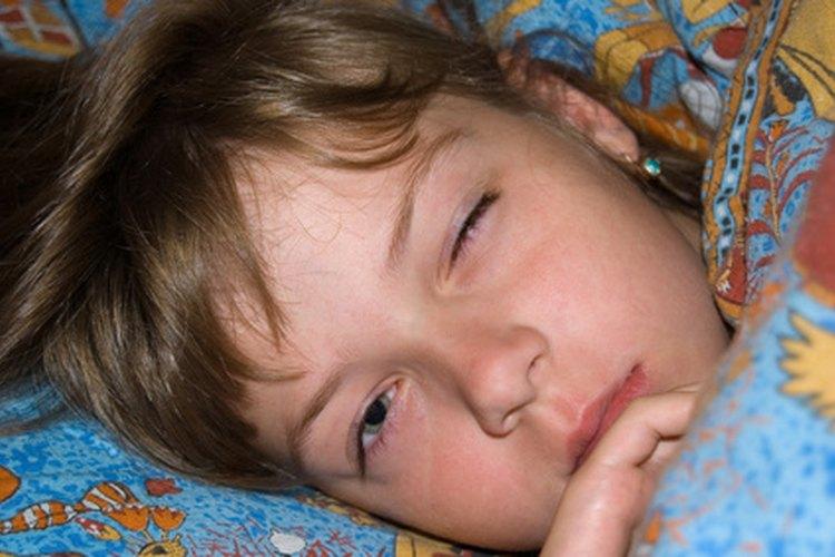 Un cambio en la rutina puede ayudar a tus niños a la hora de dormir.