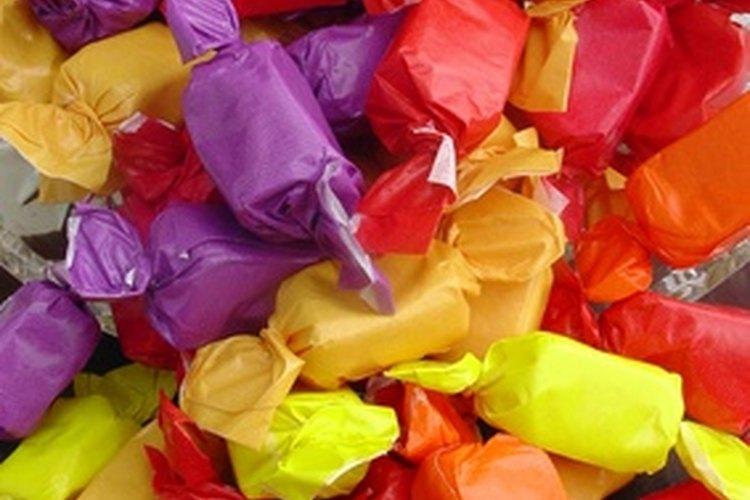 Para una guirnalda de golosinas, escoge colores que complementen la paleta de colores en tu casa.
