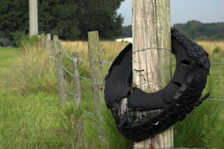 Sella los postes de la cerca de madera y proporciona drenaje subterráneo para evitar la putrefacción.