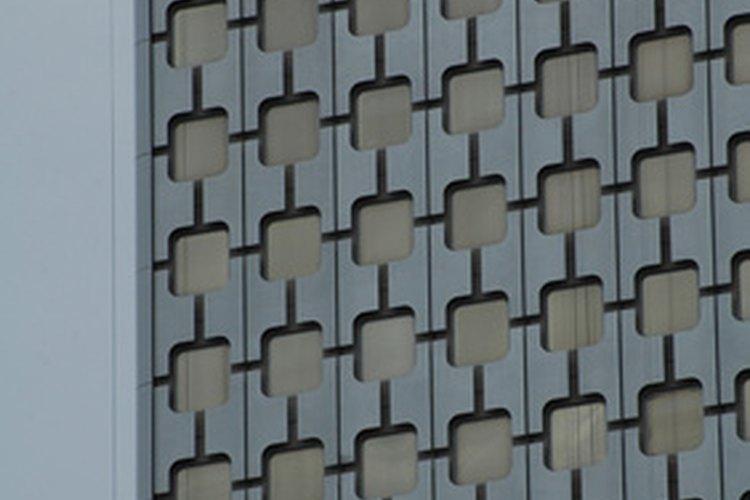 No todos los limpiadores de ventanas tienen que escalar edificios altos, pero muchos lo hacen.