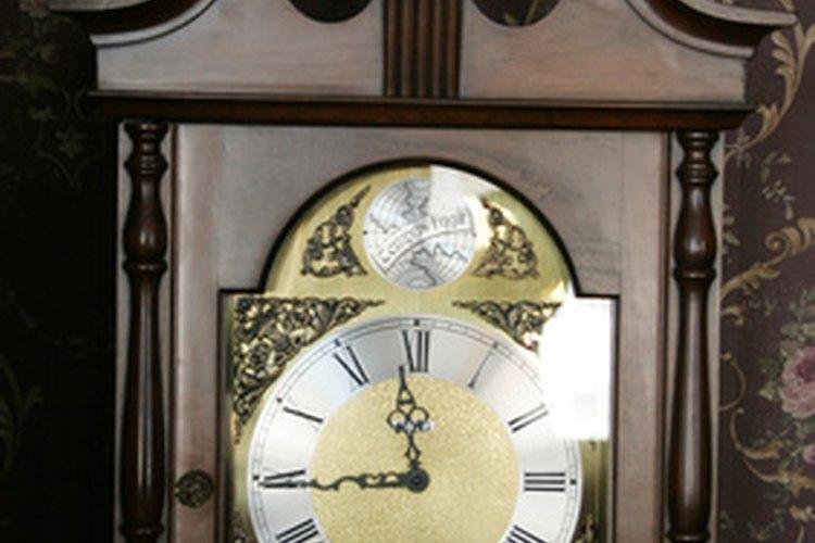 Los relojes de abuelo pueden durar años si son reparados y cuidados adecuadamente.