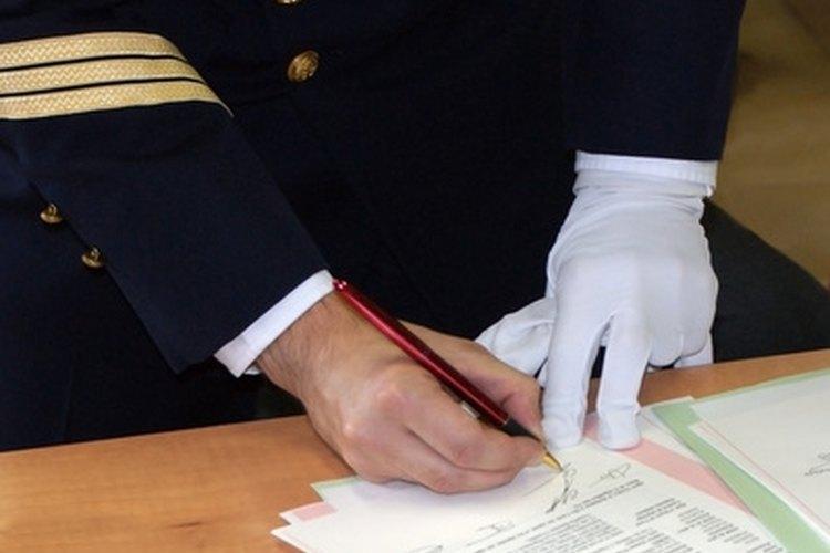 Los acuerdos tripartitos involucran tres partes.