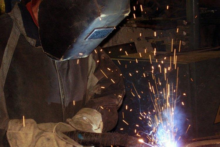 Los soldadores utilizan trucos y consejos para mejorar su trabajo.