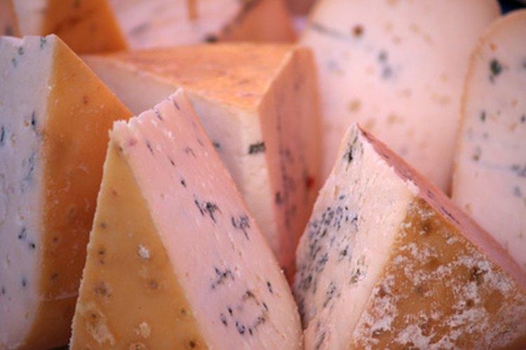 Las combinaciones de especias y queso se pueden utilizar para una variedad de platos.