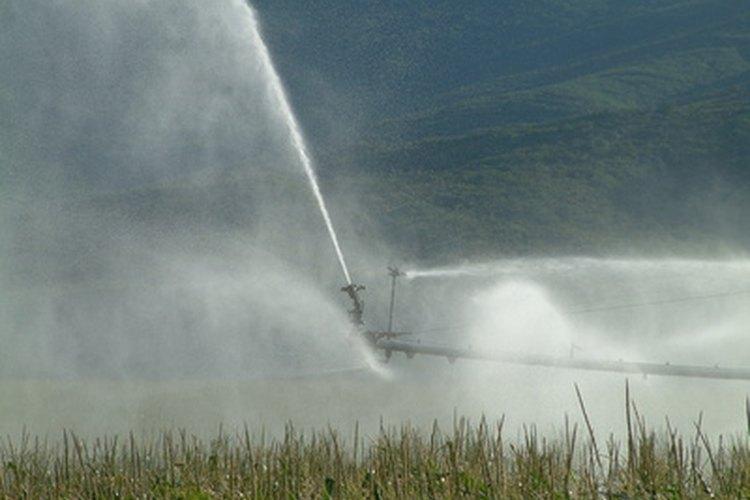 Los rociadores son afectados por las condiciones climaticas ventosas.