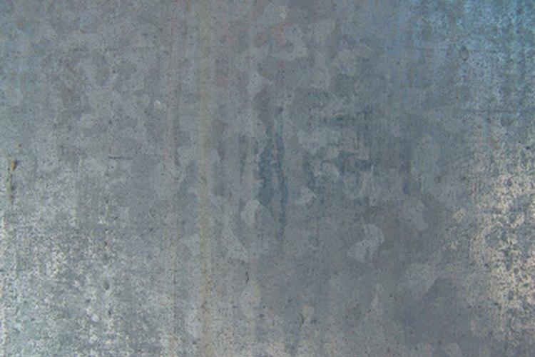 El acero inoxidable debe desgastarse antes de que pueda adherirse a él cualquier tipo de pintura.