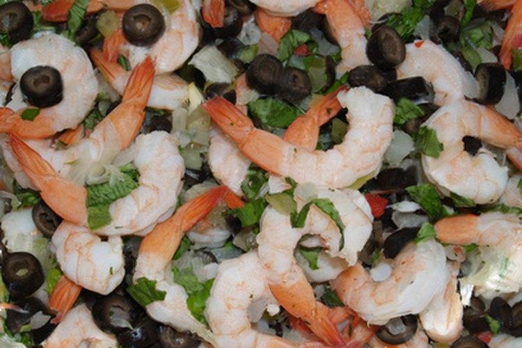 Los langostinos precocidos son un excelente agregado para las ensaladas.
