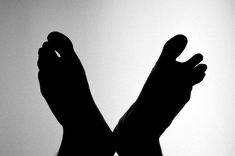 Los podólogos son los que se ocupan de los problemas de los pies en las personas.