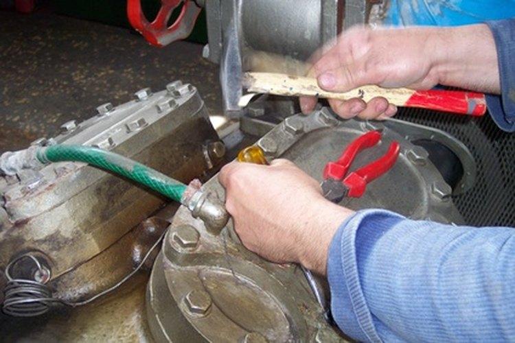 Los martillos demoledores permiten remover materiales de viejos edificios más rápida y fácilmente.