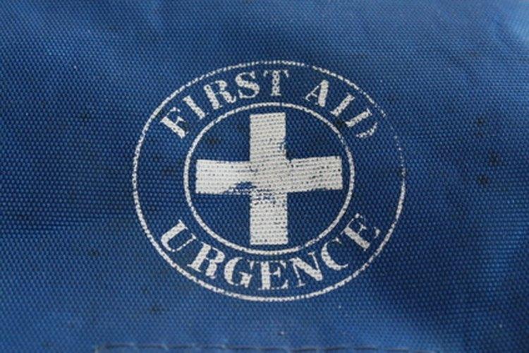 El personal de emergencia debe conocer los pasos correctos en el tratamiento de las emergencias médicas.