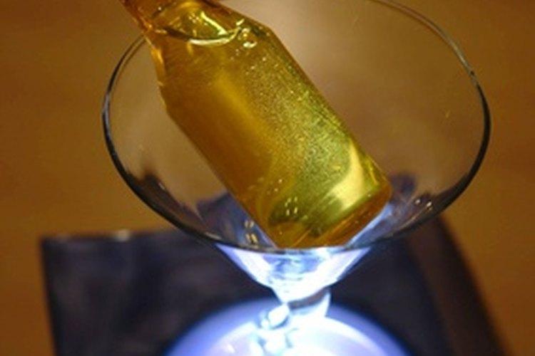 Preguntarle a tu marido acerca de su alcoholismo puede ayudarte a entenderlo mejor.