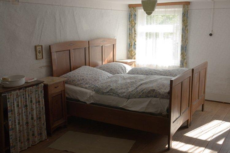La mayoría de las camas nido son hechas de madera.