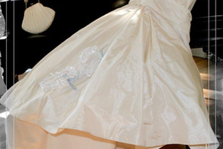 Puedes usar ésta técnica para ampliar vestidos de novia o de cóctel.