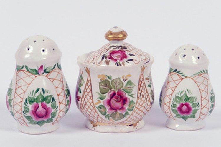 Las rosas y las violetas fueron motivos de decoración populares en el siglo 19.