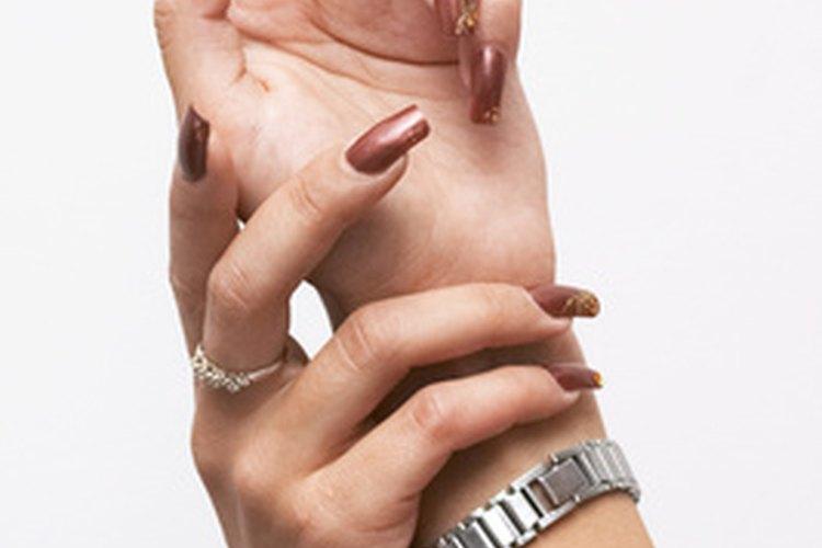Las limas eléctricas simplifican las manicuras profesionales.