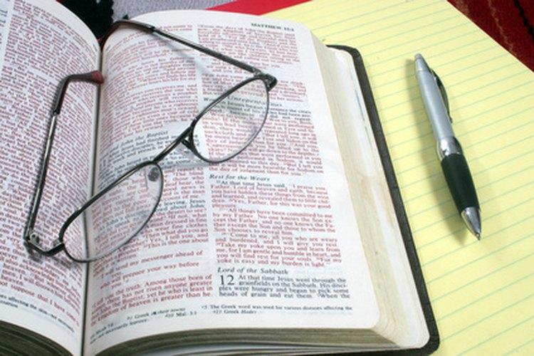 El líder de estudios bíblicos debe planificar una actividad o juego.