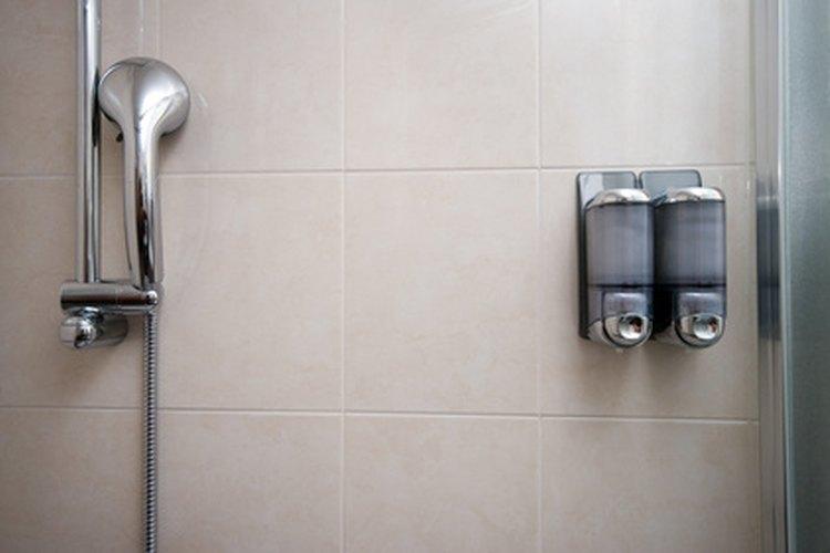 Incluso los productos de secado rápido deberían tener de 3 a 12 horas para curar antes de utilizar la ducha.