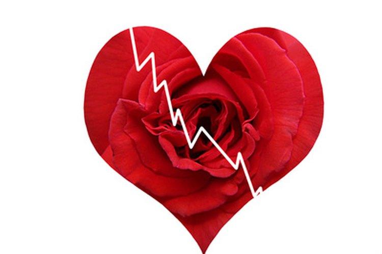 Un corazón roto es un diseño conmemorativo popular.