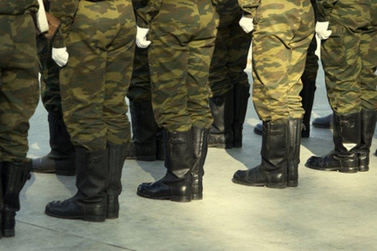 Los reclutas de la Guardia deben cumplir con requisitos de altura y peso y pasar una evaluación de condición física.